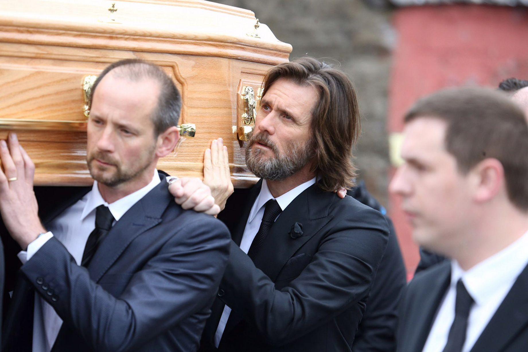 Картинки по запросу джим керри похороны
