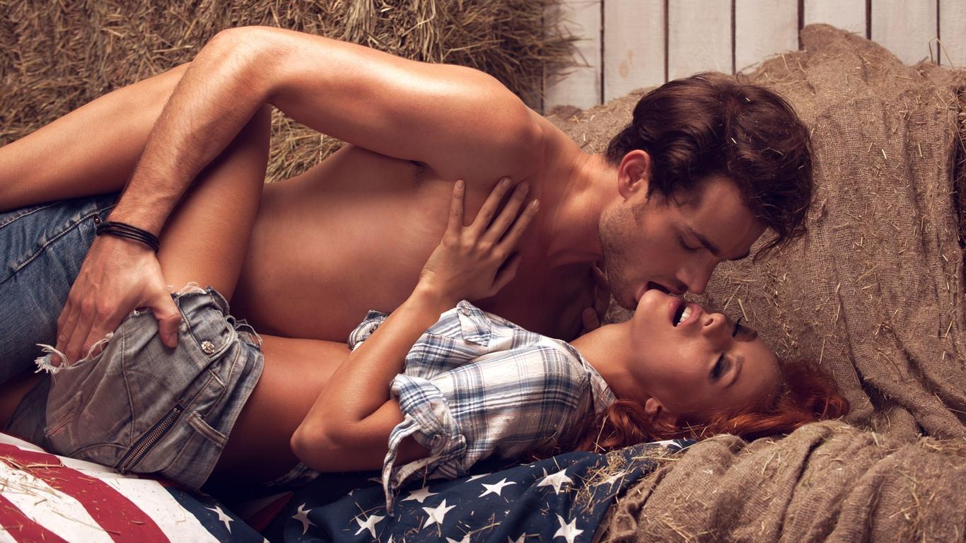 Секс в юбке на сеновале фото 17 фотография