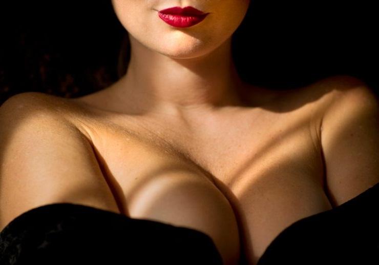 Фотогафия женской груди в душе фото 136-34
