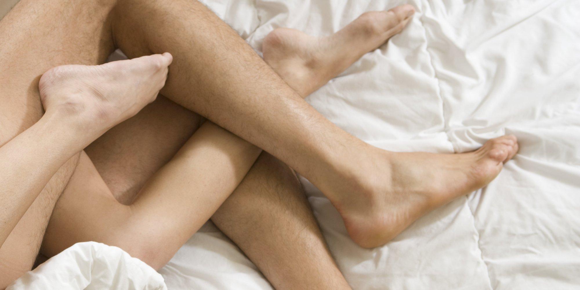72Фото порно ноги на плечах