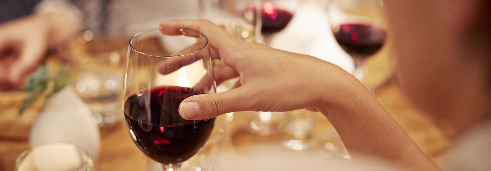 Бокал вина перед сексом
