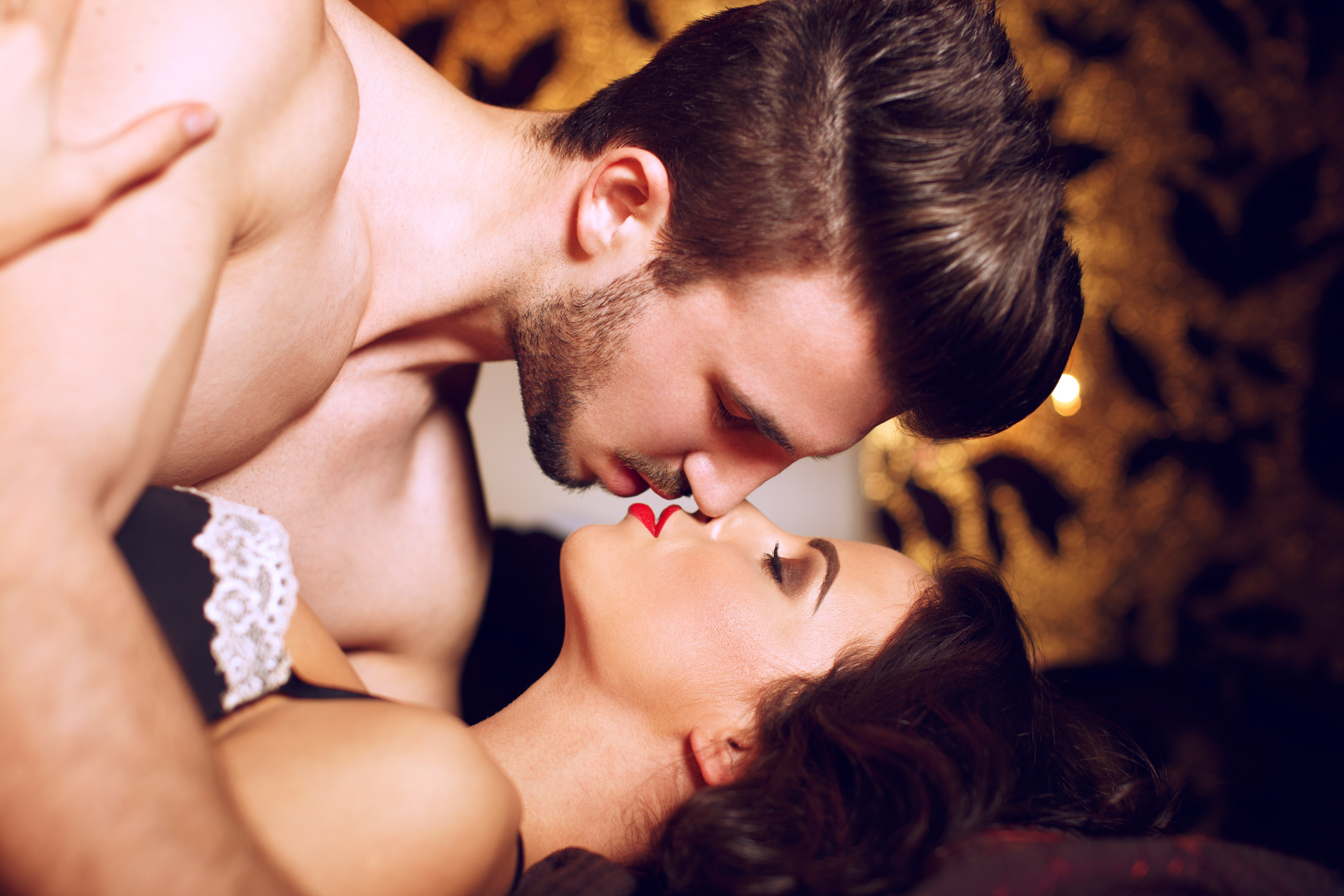 Почемк мужчина шепчет кончаю во время секса