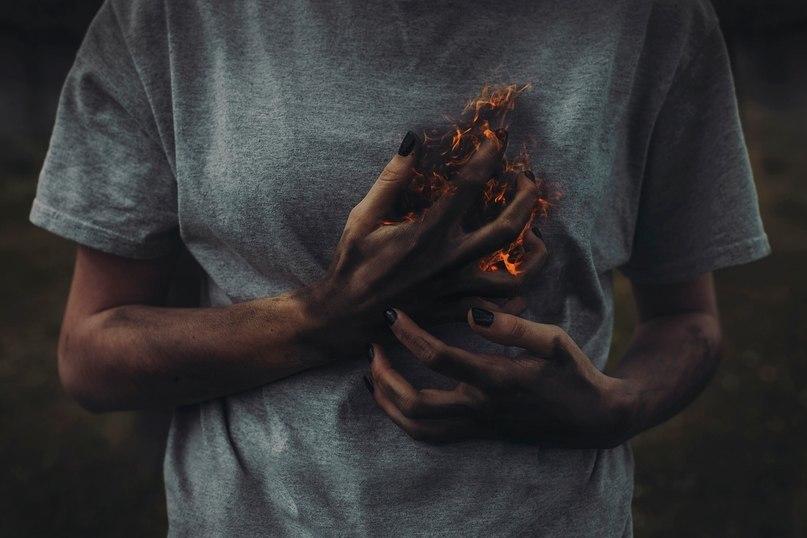 """Výsledok vyhľadávania obrázkov pre dopyt Сердце и грудь: """"разбитое сердце""""."""