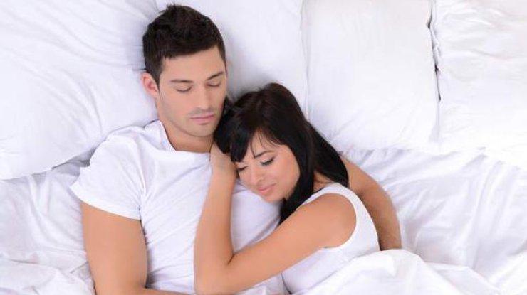 Вот что говорит о ваших отношениях то, как вы спите